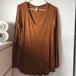 Tops - NWOT tan long sleeve v neck shirt